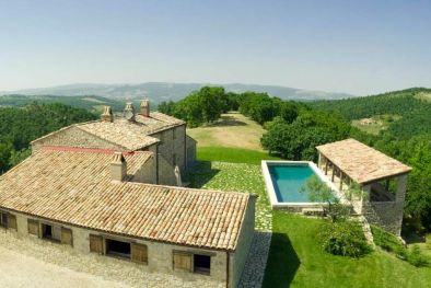FARMHOUSE WITH POOL FOR SALE IN TODI