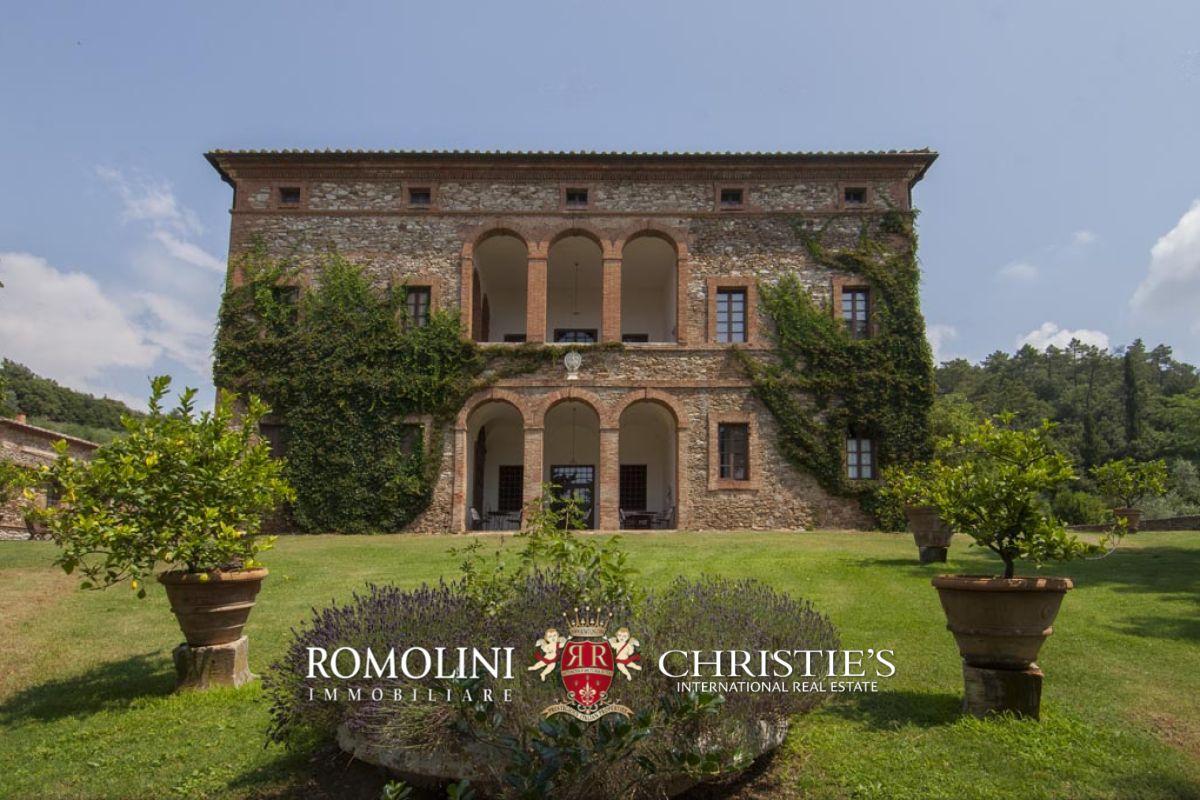Tuscan Estate With Manor Villa 10 Ha Of Land Vineyards