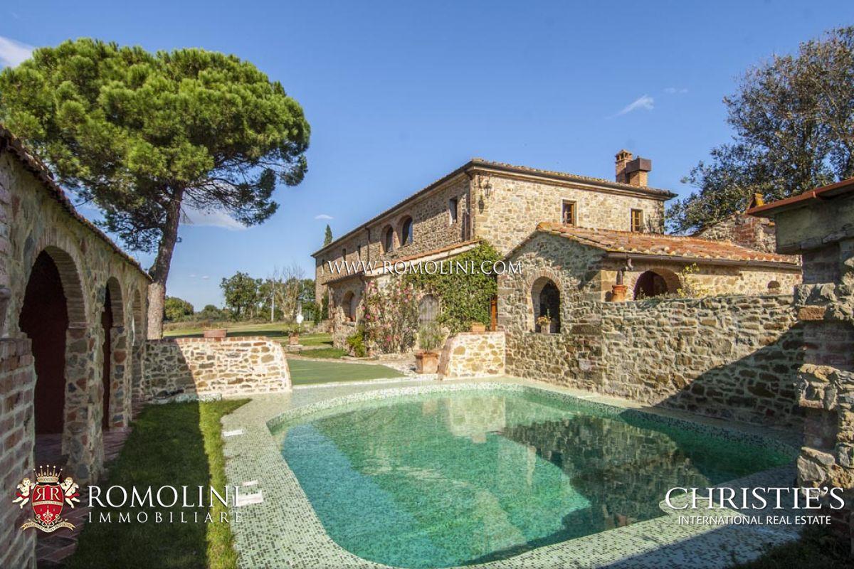 Casa colonica in vendita arezzo toscana casale con 5 - Case in vendita con giardino firenze ...